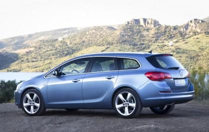 Blauwe Opel Astra